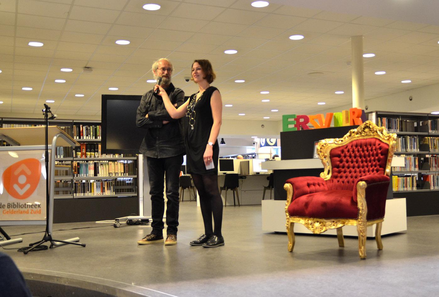 Uitreiking van de onderscheiding op 13 december 2015 in de Centrale Bibliotheek, Nijmegen.